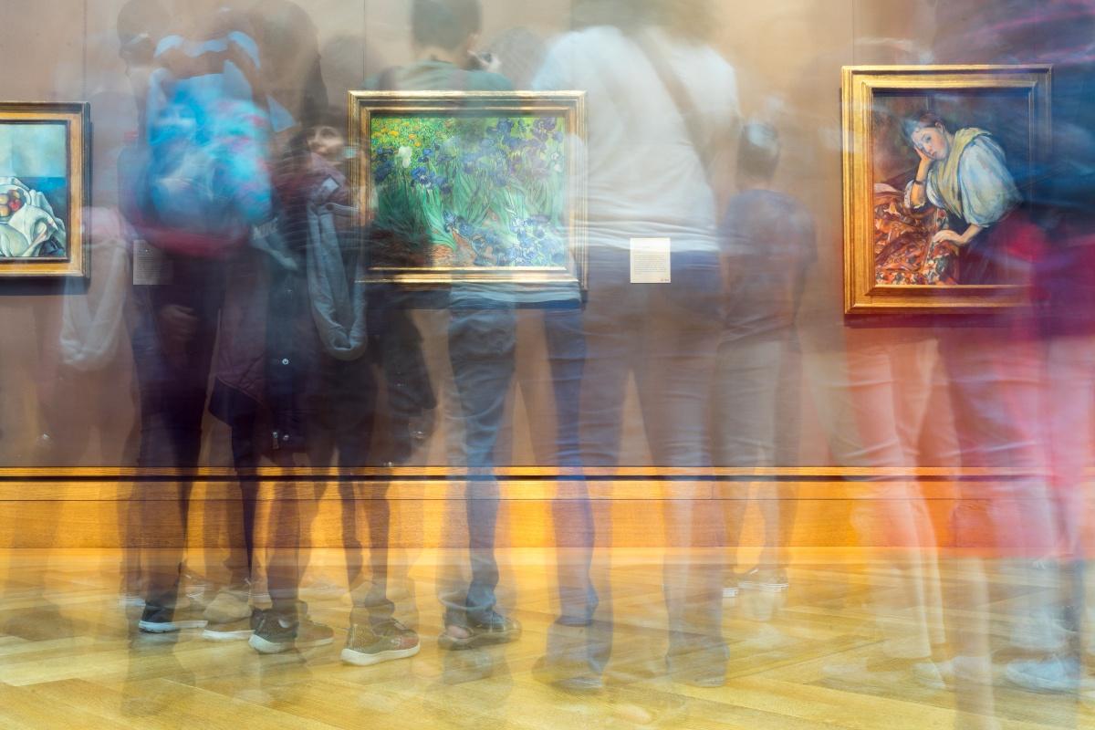 Η συνανατροφή μας με την τέχνη, τρέφει το μυαλό και την ψυχή μας και επηρεάζει τις στυλιστικές μας προτιμήσεις.